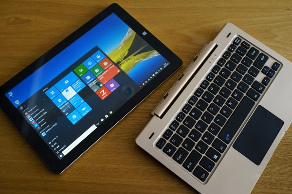 Onda OBook10 Ultrabook Tablet PC レビュー
