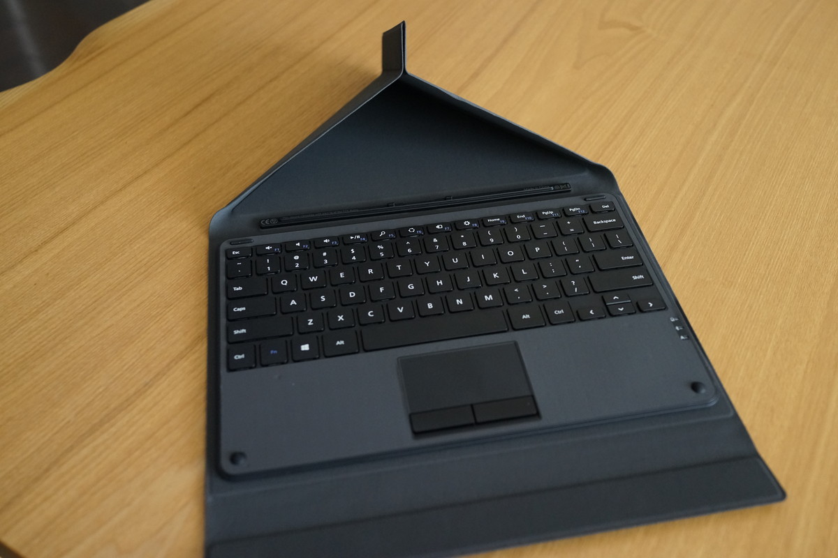 EC Technology Surface タッチパッド付き Bluetoothキーボード Windows用
