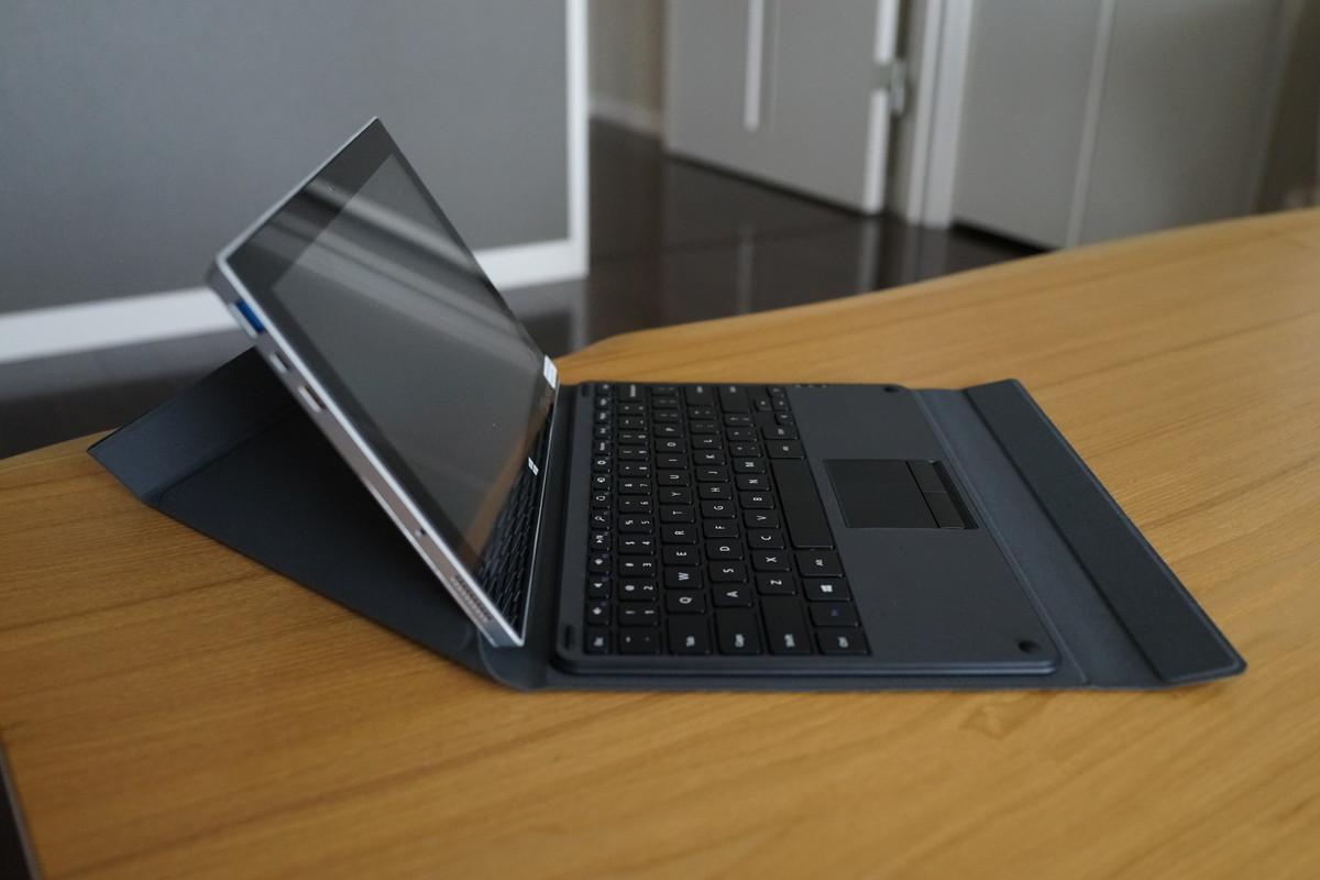 EC Technology Surface タッチパッド付き Bluetoothキーボード Windows用