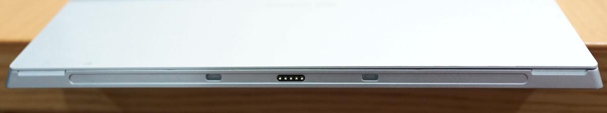 Jumper EZpad 5SE Tablet PC 実機レビュー 下から見たところ