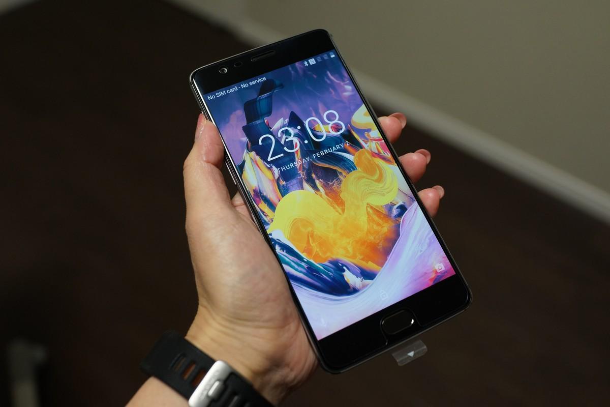 Cafagoより LeEco Le S3 X522が$93.99、OnePlus 3T が$399.99になるクーポンがでました