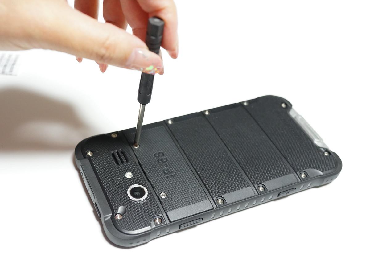 Ulefone ARMOR レビュー IP68の防水防塵携帯 SIMを入れる場所の説明