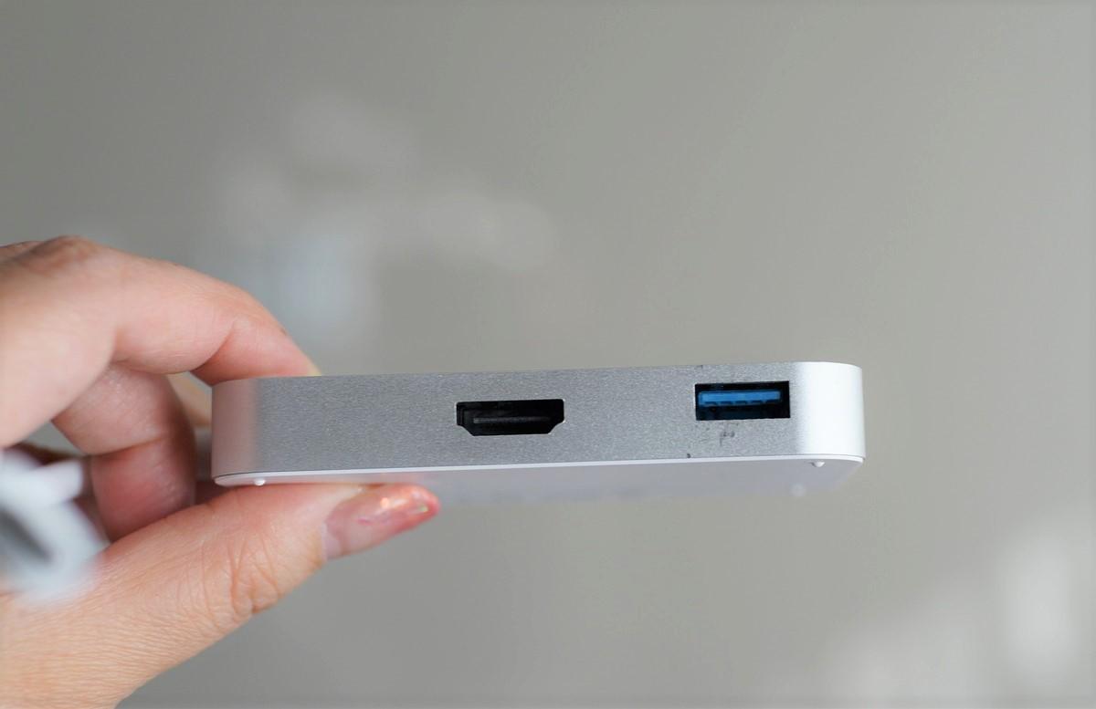 dodocool 3in1 USB3.1  Type-Cハブレビュー 左側面の参考写真