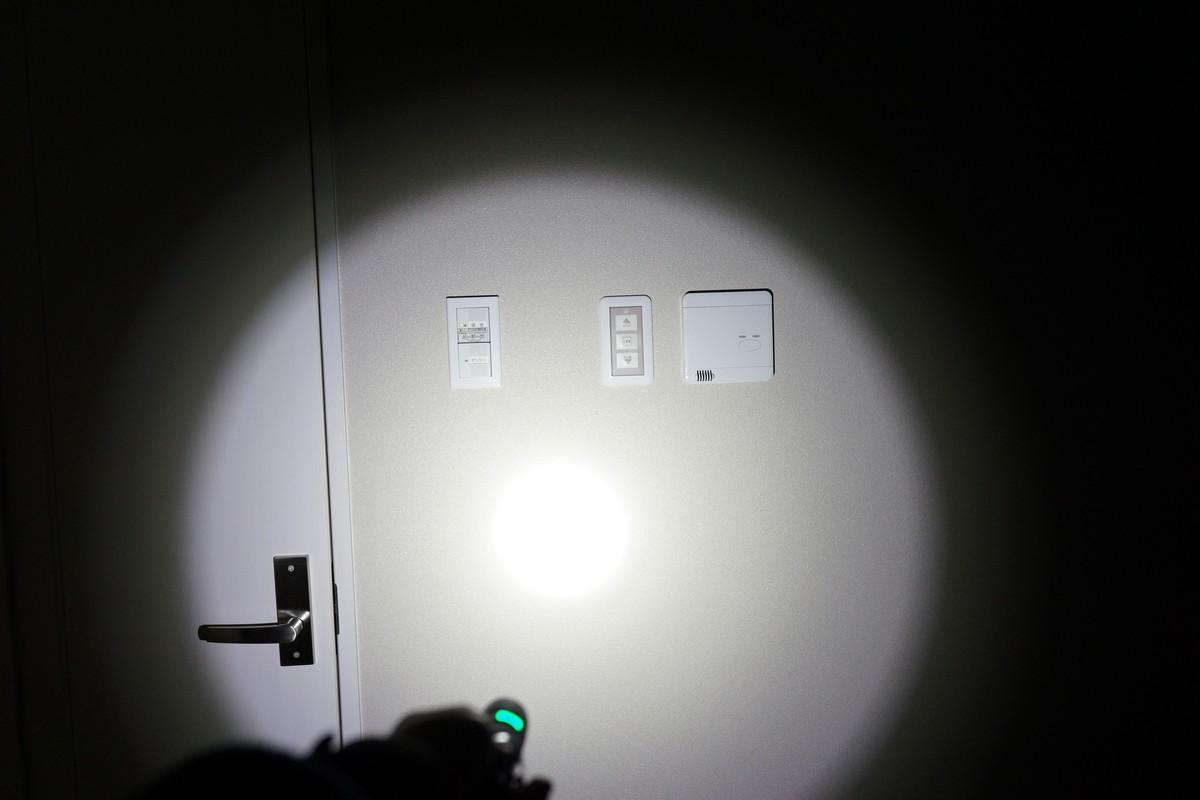 Vanbow 500ルーメン・防水 USB充電式ミニ懐中電灯レビュー