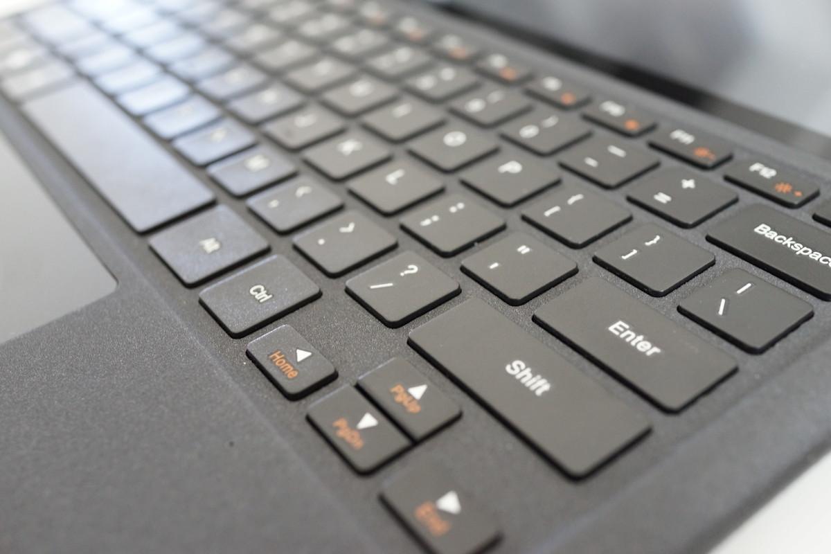 TECLAST X5 Pro レビュー 専用キーボードの説明参考画像