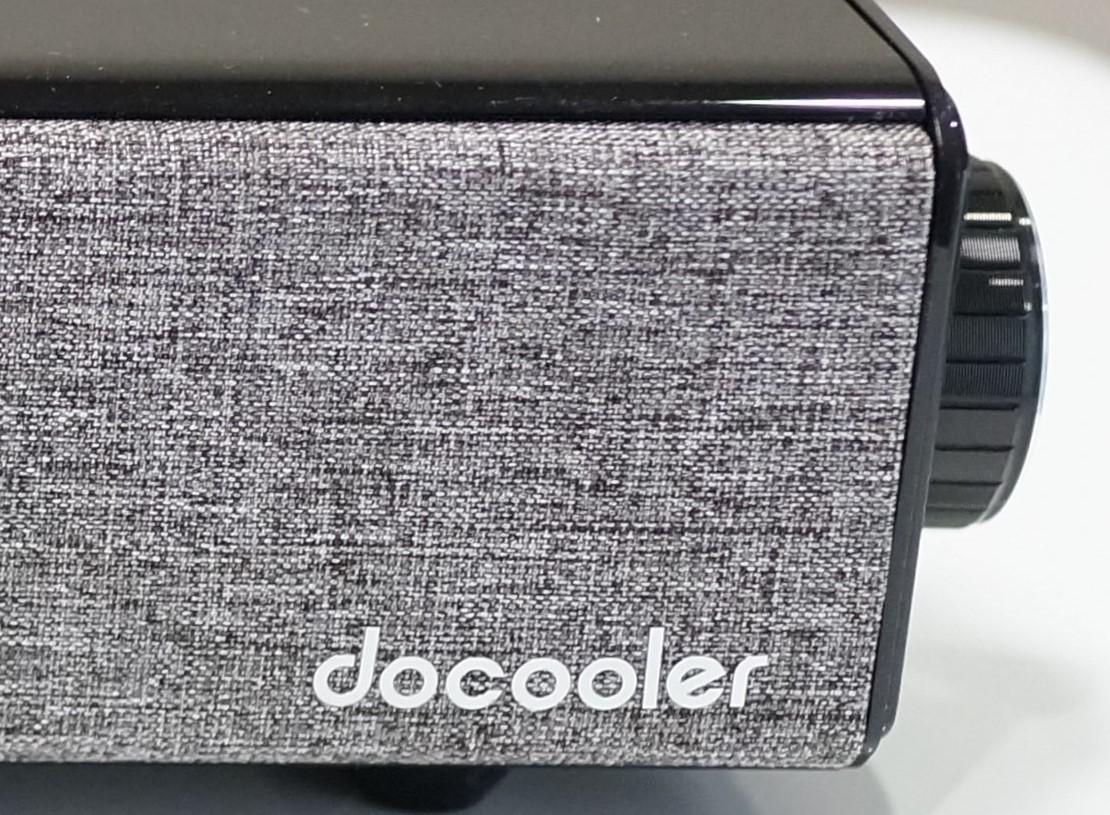 docooler Bluetooth スピーカー サウンドバーホームシアターレビュー 前面のファブリック素材のカバーの説明