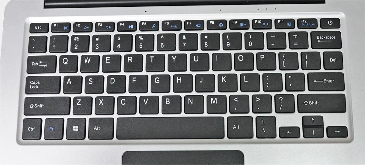 Jumper EZbook 3SE 実機レビュー キーボードの質感などの説明