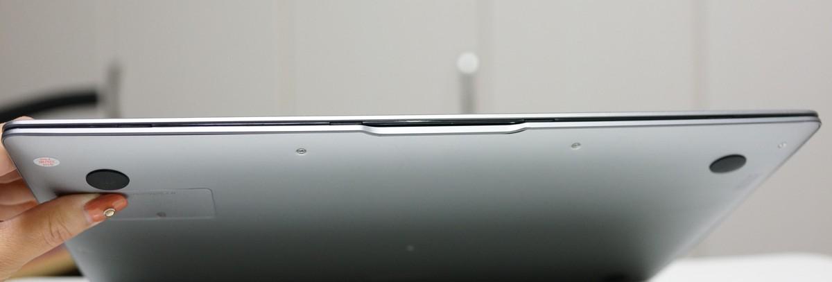CHUWI Lapbook Air 外観参考写真
