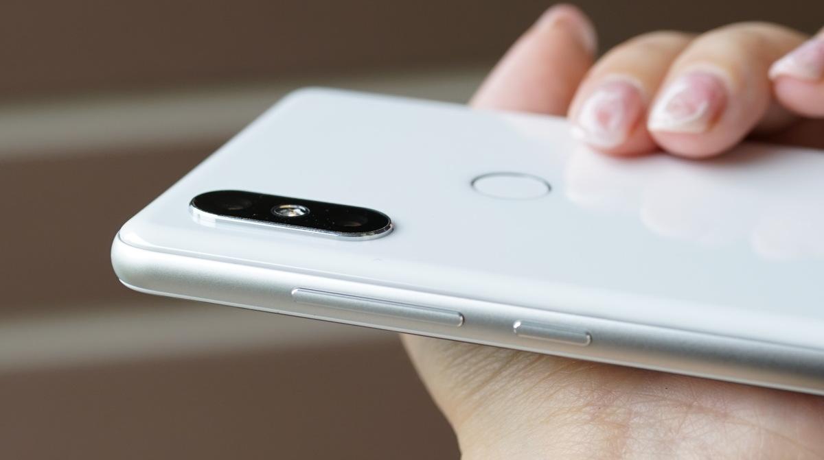 Xiaomi MI MIX 2S レビュー 外観参考写真