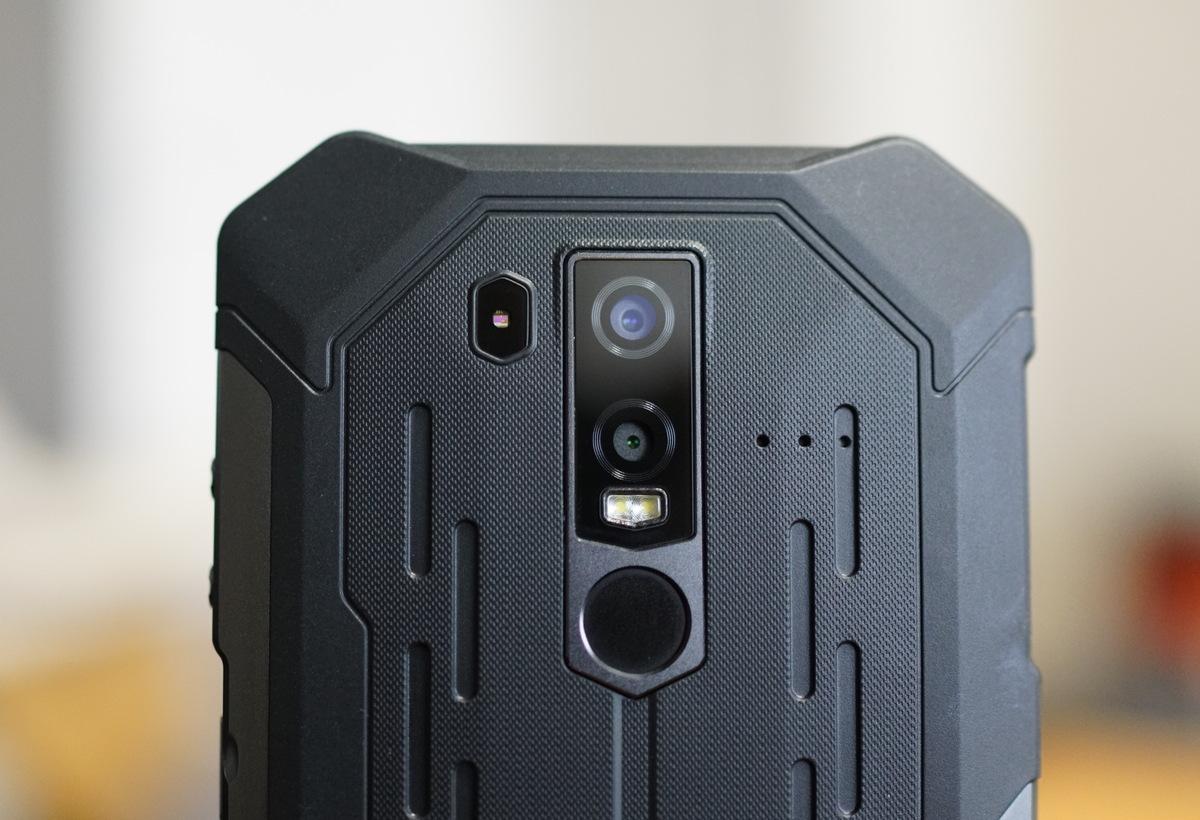 Armor6の背面カメラ
