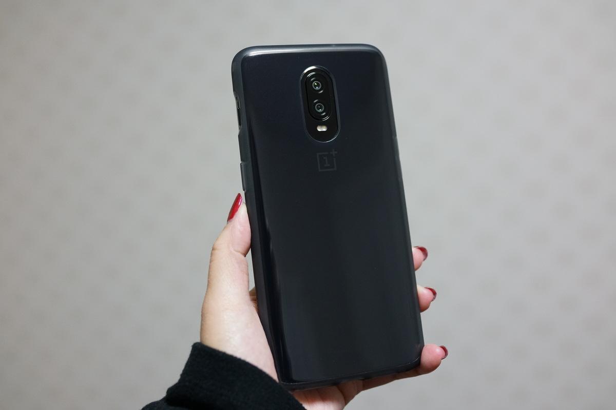 OnePlus 6T レビュー 外観写真