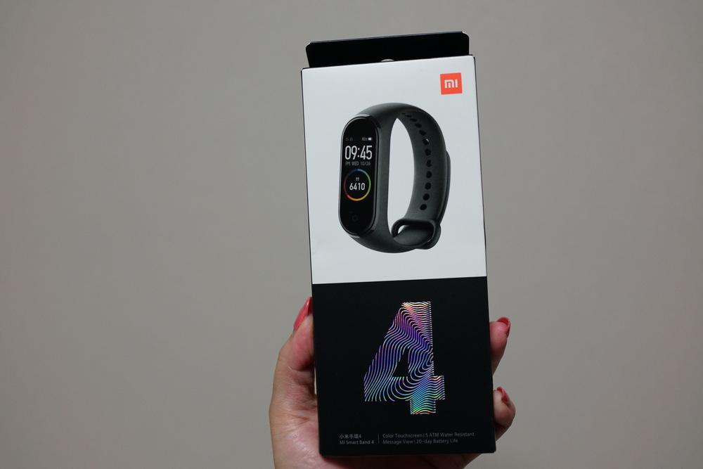 Xiaomi Mi band 4 実機レビュー