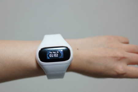 aptX/AAC対応左右完全独立型Bluetooth5.0イヤホン内蔵スマートウォッチ『Wearbuds』実機レビュー