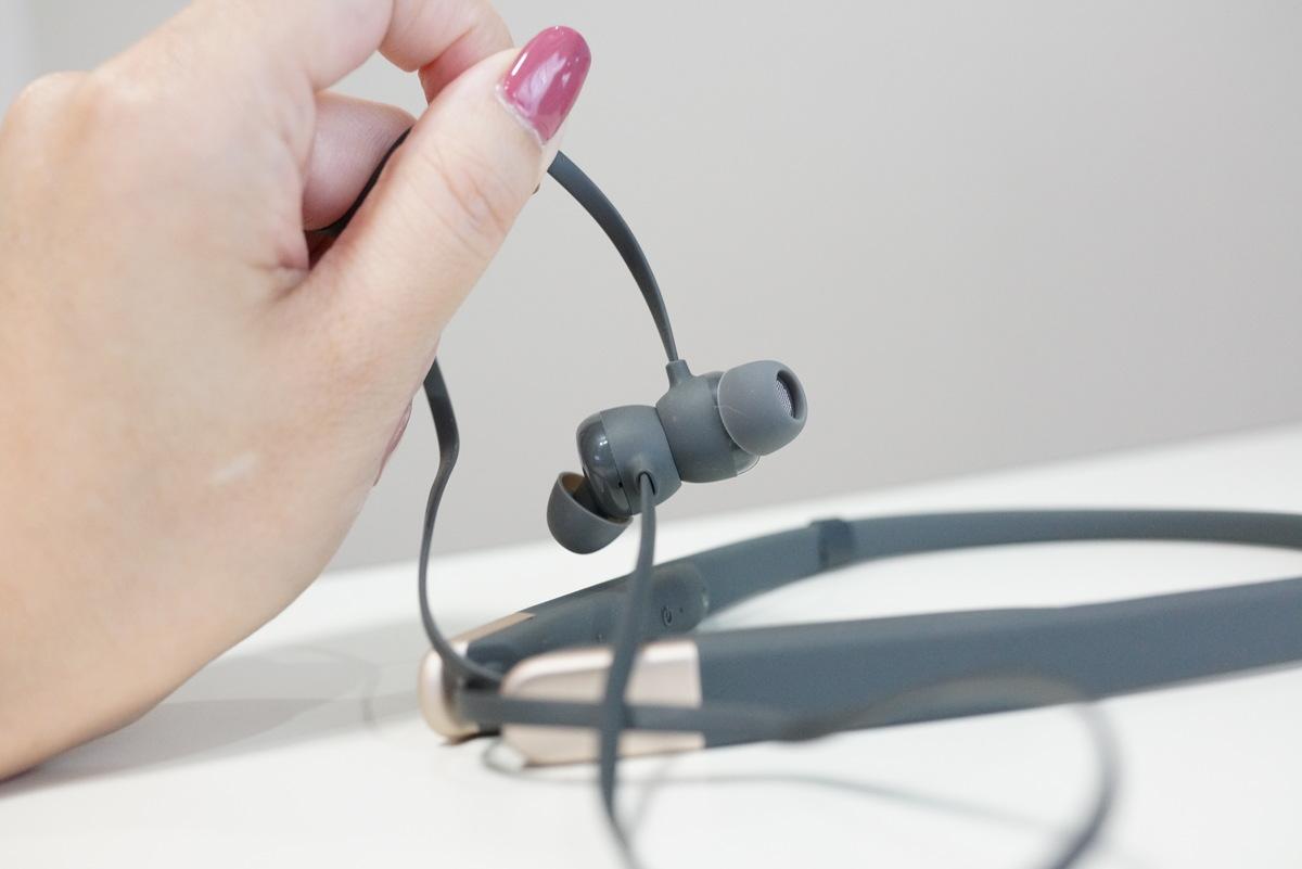 AUKEYのaptX LL低遅延対応で2台同時に通話待ち受け可能なネックバンド式Bluetooth5.0ワイヤレスイヤホンレビュー
