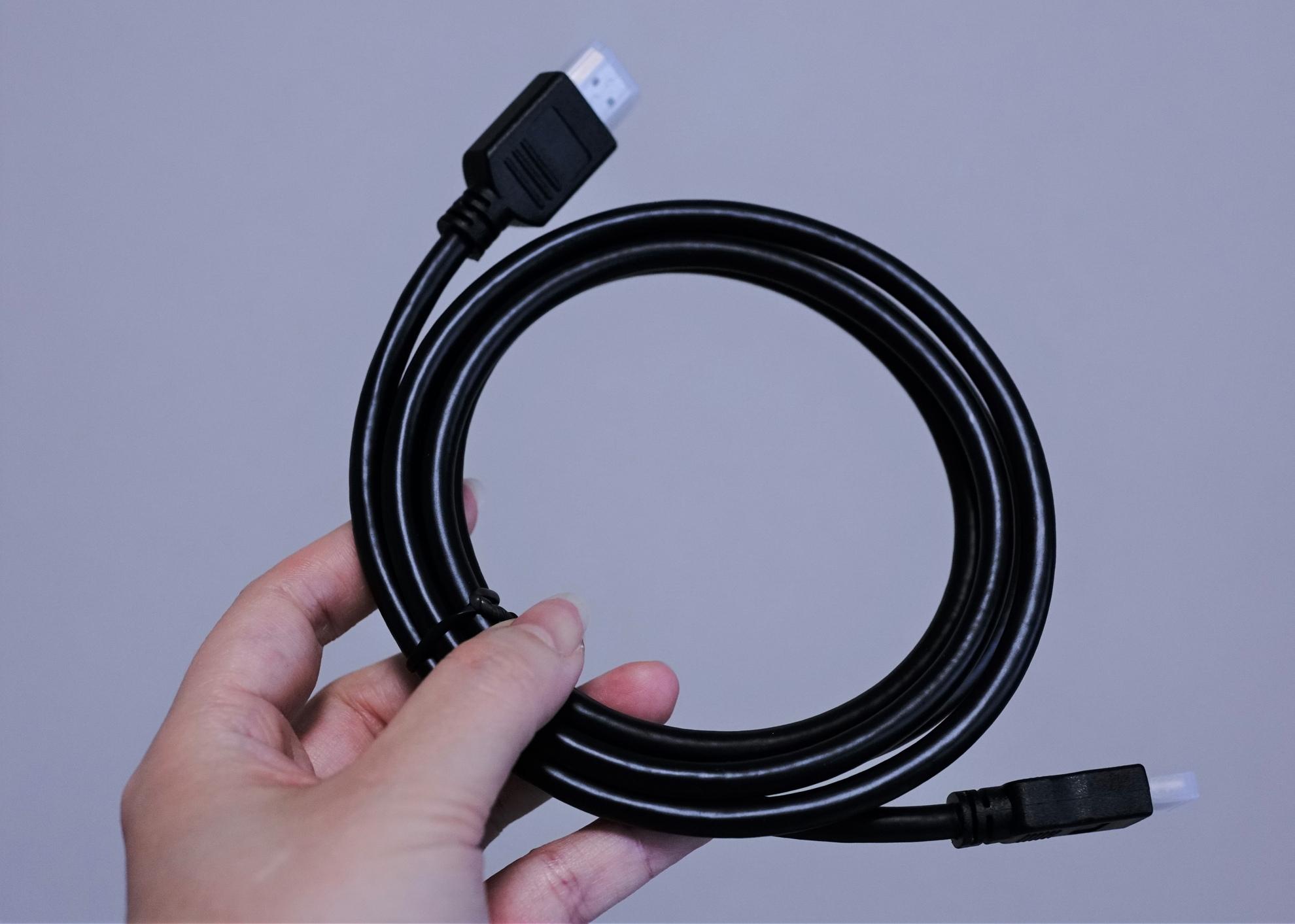【クーポンで$159.99】電源不要・TYPE-Cケーブル1本で接続可能な17.3インチモバイルモニター PORPOISE HT-1730XT レビュー