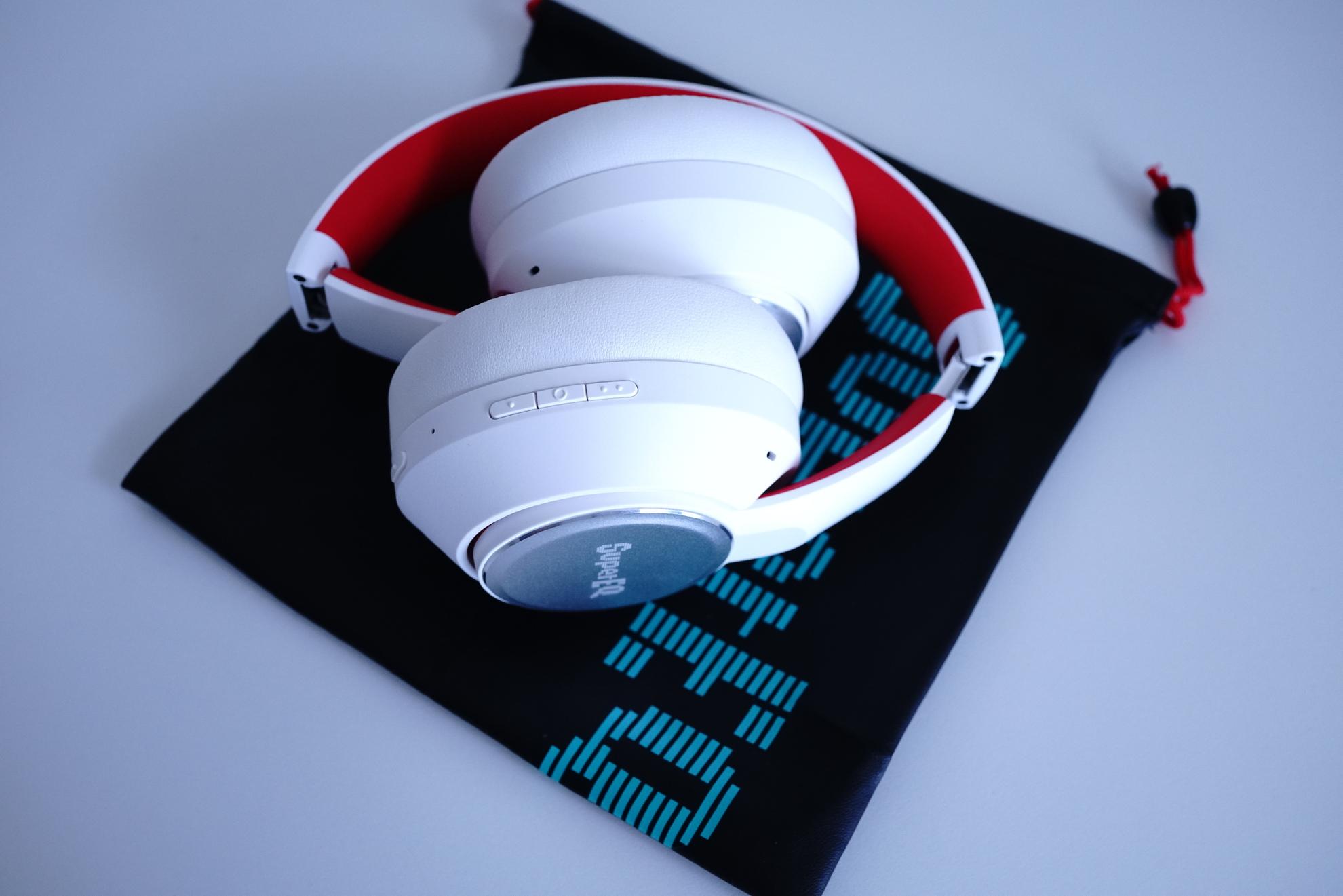SuperEQ S1 Bluetoothヘッドフォンレビュー 小さく折りたためて持ち運びがしやすい